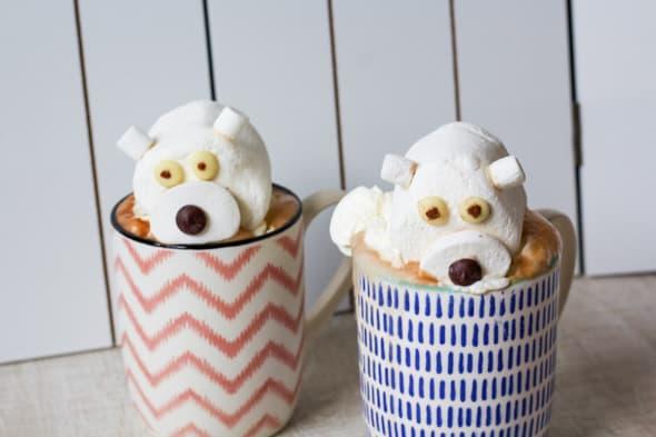 Warme chocolademelk met ijsberen-topping