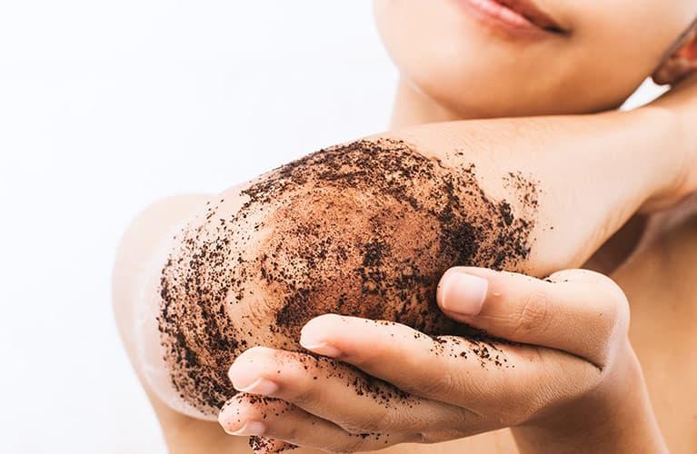 Peeling selber machen: 8 DIY-Rezepte für glatte Haut