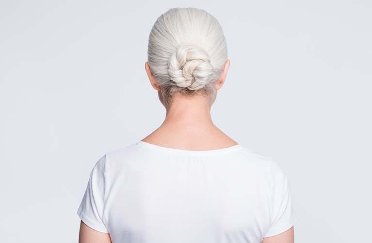 Low Bun: So stylst du den lässigen Knoten im Nacken