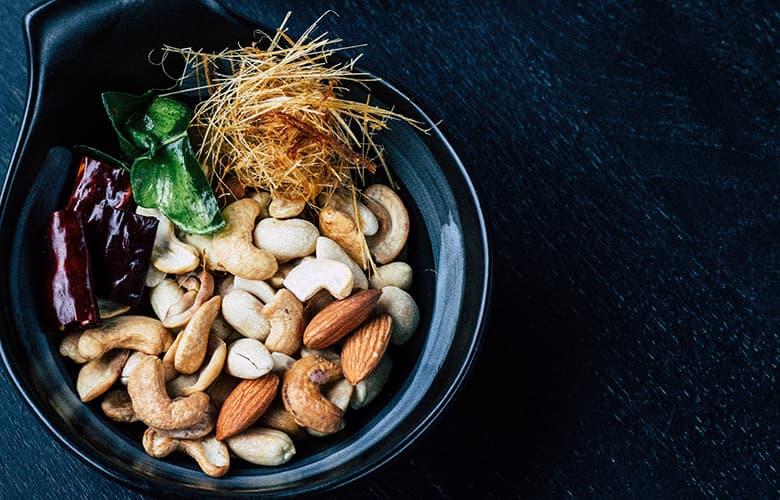 Πέντε τονωτικές τροφές που αξίζει να βάλεις στο μενού σου αυτόν το μήνα