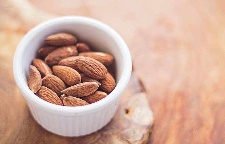 Τέσσερις light τροφές που κάνουν καλό στην υγεία