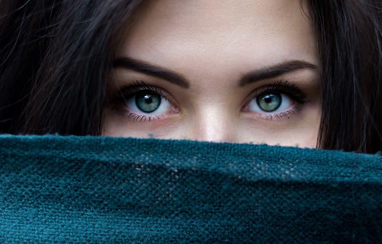 Πώς θα εφαρμόζεις σωστά την κρέμα των ματιών σου