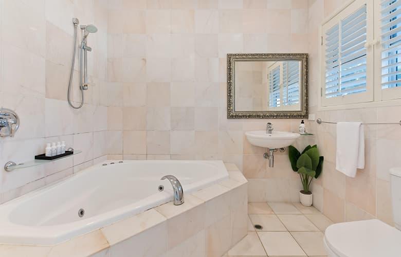 Στο σπίτι και ειδικά στο μπάνιο η καθαριότητα είναι προτεραιότητα