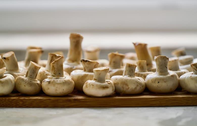 Εναλλακτική μαγειρίτσα με μανιτάρια για το πασχαλινό τραπέζι