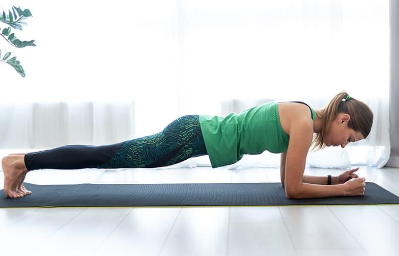 Πέντε ασκήσεις για να αποκτήσεις εύκολα μια καλλίγραμμη σιλουέτα