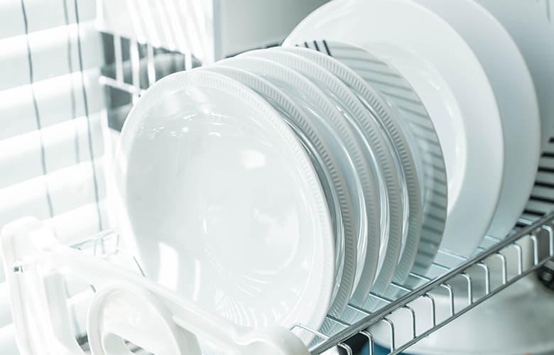 Πιάτα στο πλυντήριο
