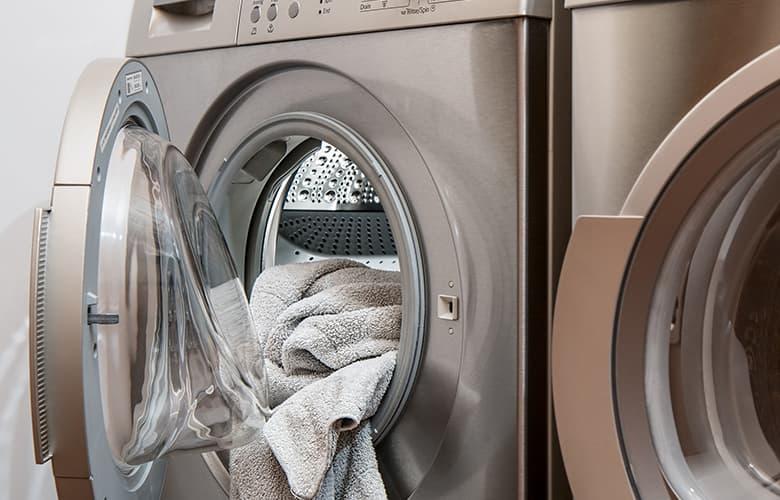 Έξι συμβουλές για σωστό πλύσιμο που θα κάνουν τη διαφορά στα ρούχα σου