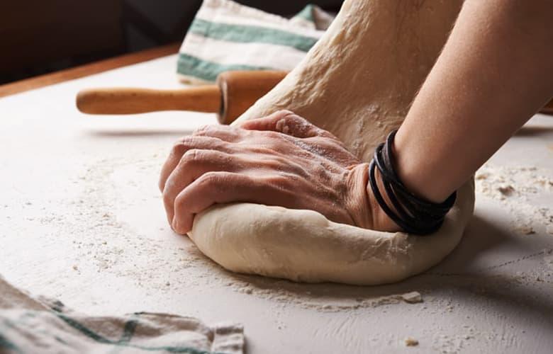 Τρεις νόστιμες προτάσεις για να γιορτάσετε τον μήνα της πίτσας