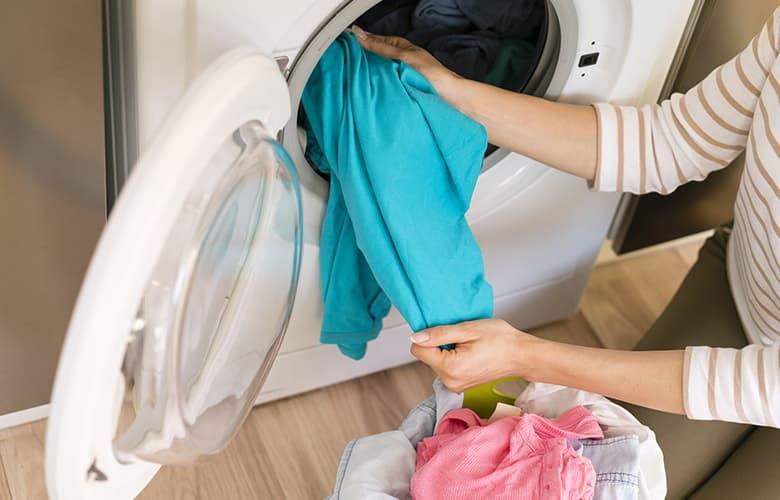 Ρούχα στο πλυντήριο
