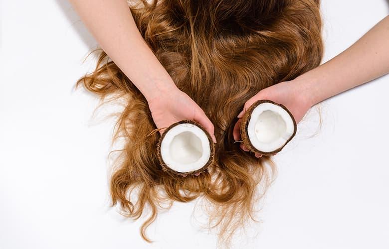 Έξι λάθη στην περιποίηση των μαλλιών που σου προσθέτουν χρόνια