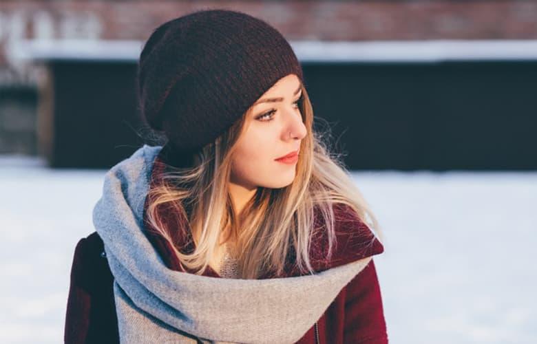 Πέντε τρόποι που το φθινόπωρο επηρεάζει τα μαλλιά σου