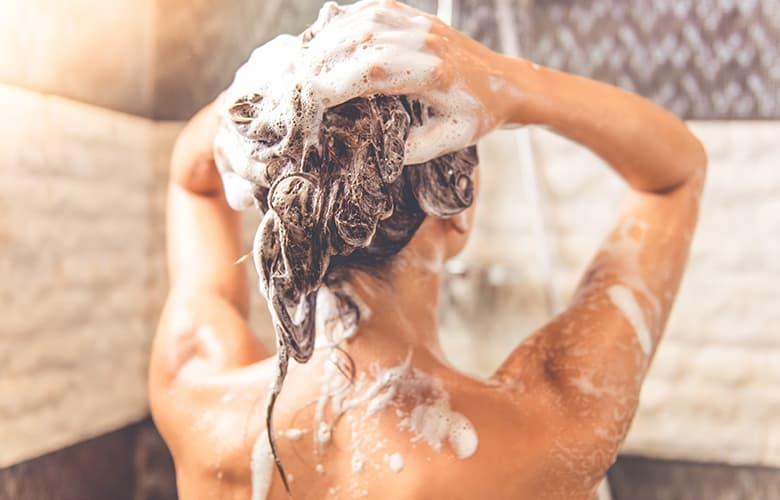 Tο μυστικό για να ξεδιψάσεις τα μαλλιά σου βρίσκεται στην αγνή αλόη