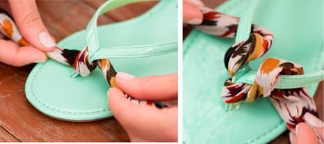 Enrole a tira de tecido à volta da tira para o dedo, que há no meio do chinelo