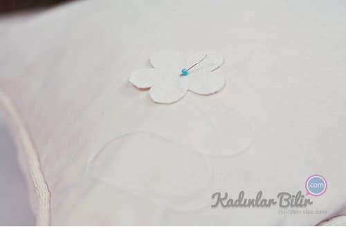 Derya Baykal Yastık yapımı çiçek deseni dikme